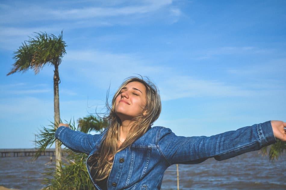 felicidad productividad personal estilo de vida saludable y sostenibles