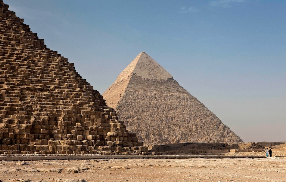 Pirámides de Giza son un ejemplo de divide y vencerás.